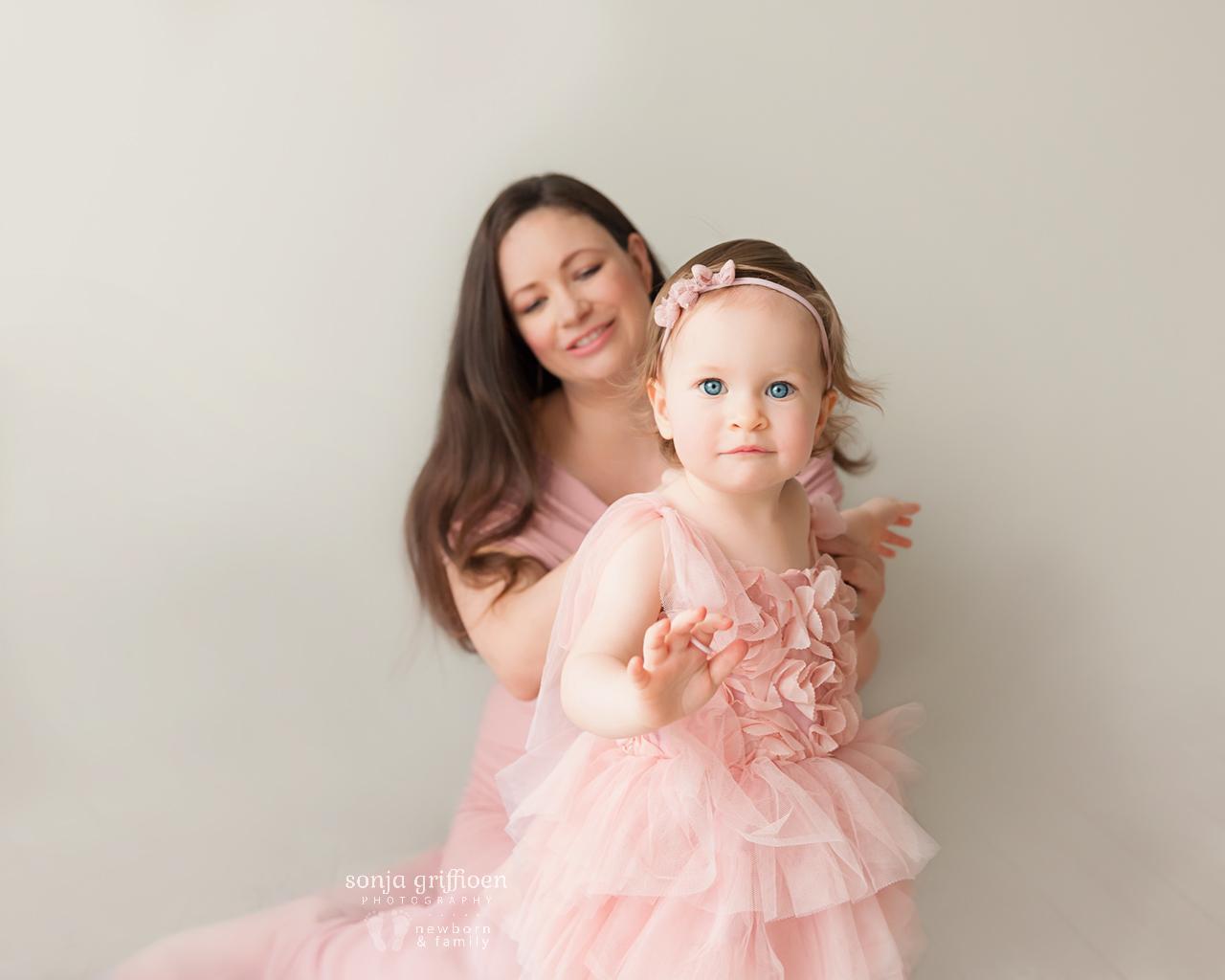 Sarah-Maternity-2-Brisbane-Newborn-Photographer-Sonja-Griffioen-06.jpg