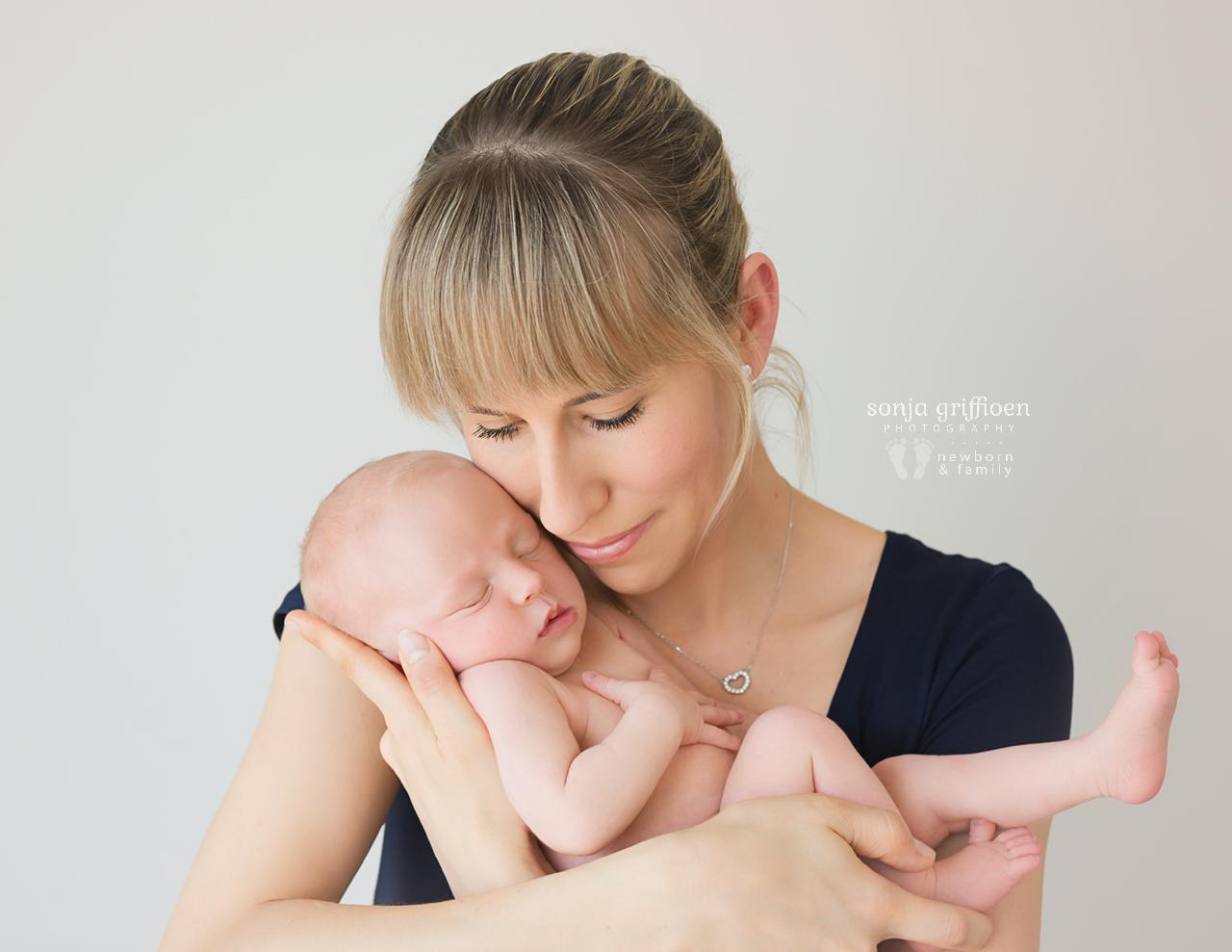 Sienna-Newborn-Brisbane-Newborn-Photographer-Sonja-Griffioen-01.jpg