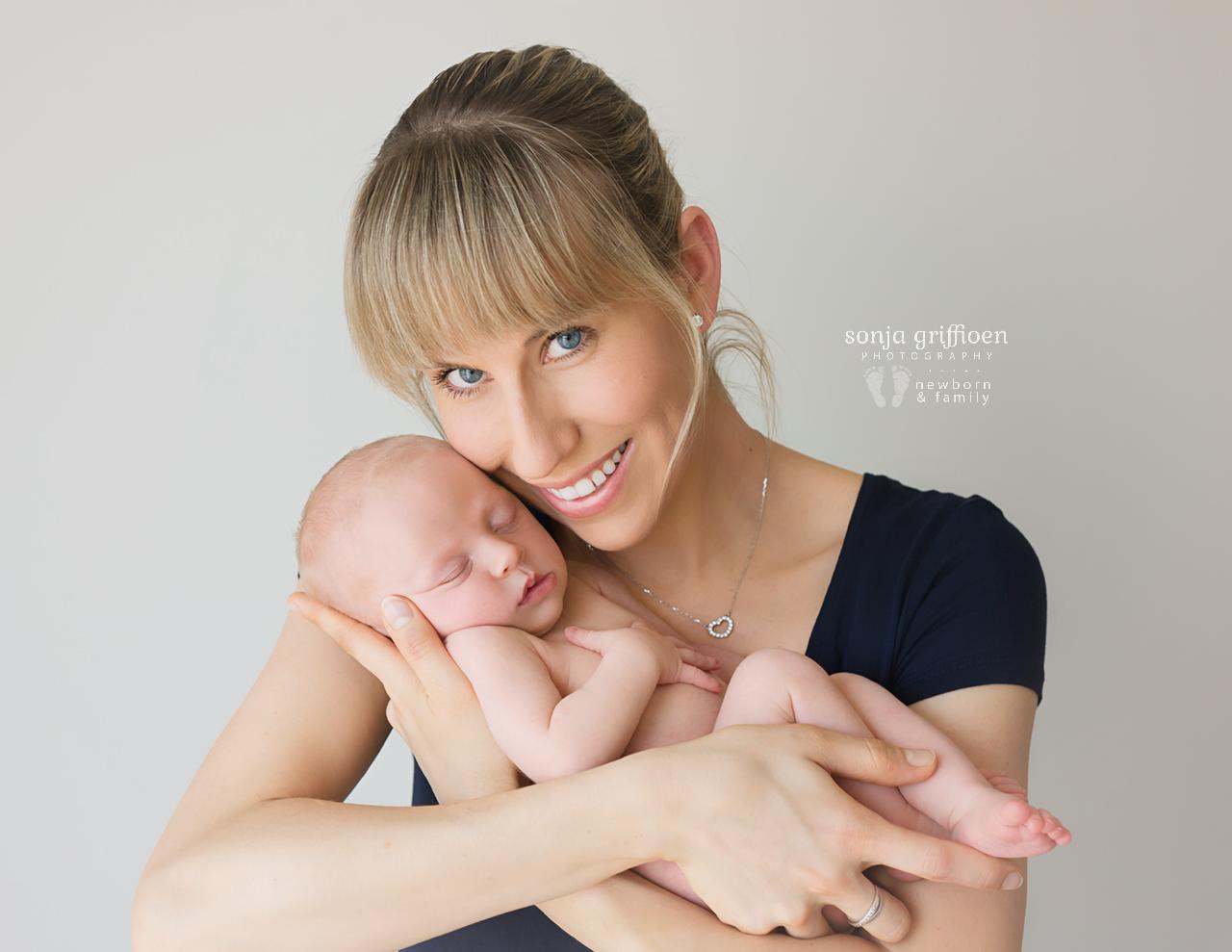 Sienna-Newborn-Brisbane-Newborn-Photographer-Sonja-Griffioen-02.jpg