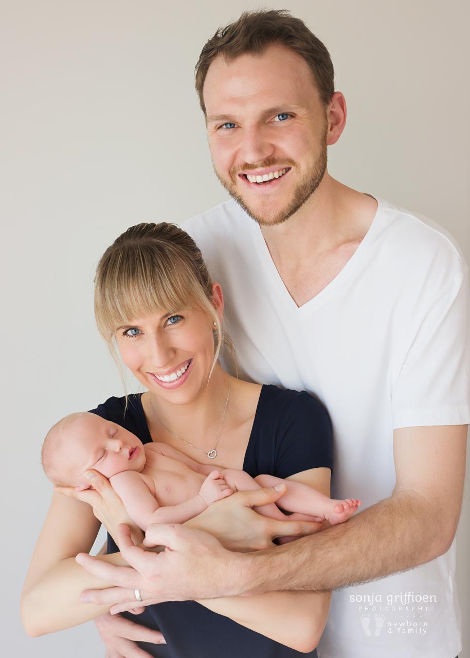 Sienna-Newborn-Brisbane-Newborn-Photographer-Sonja-Griffioen-03.jpg