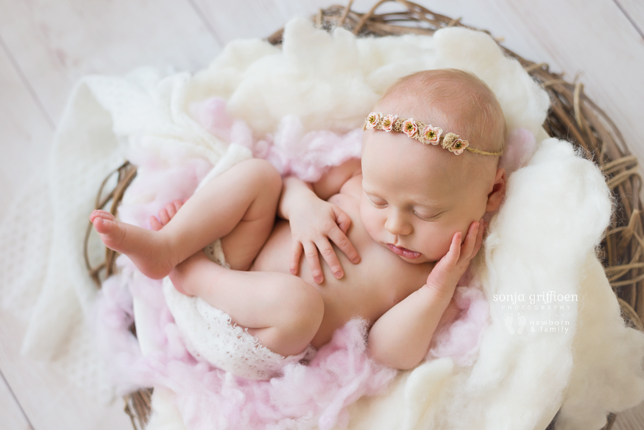 Sienna-Newborn-Brisbane-Newborn-Photographer-Sonja-Griffioen-14.jpg
