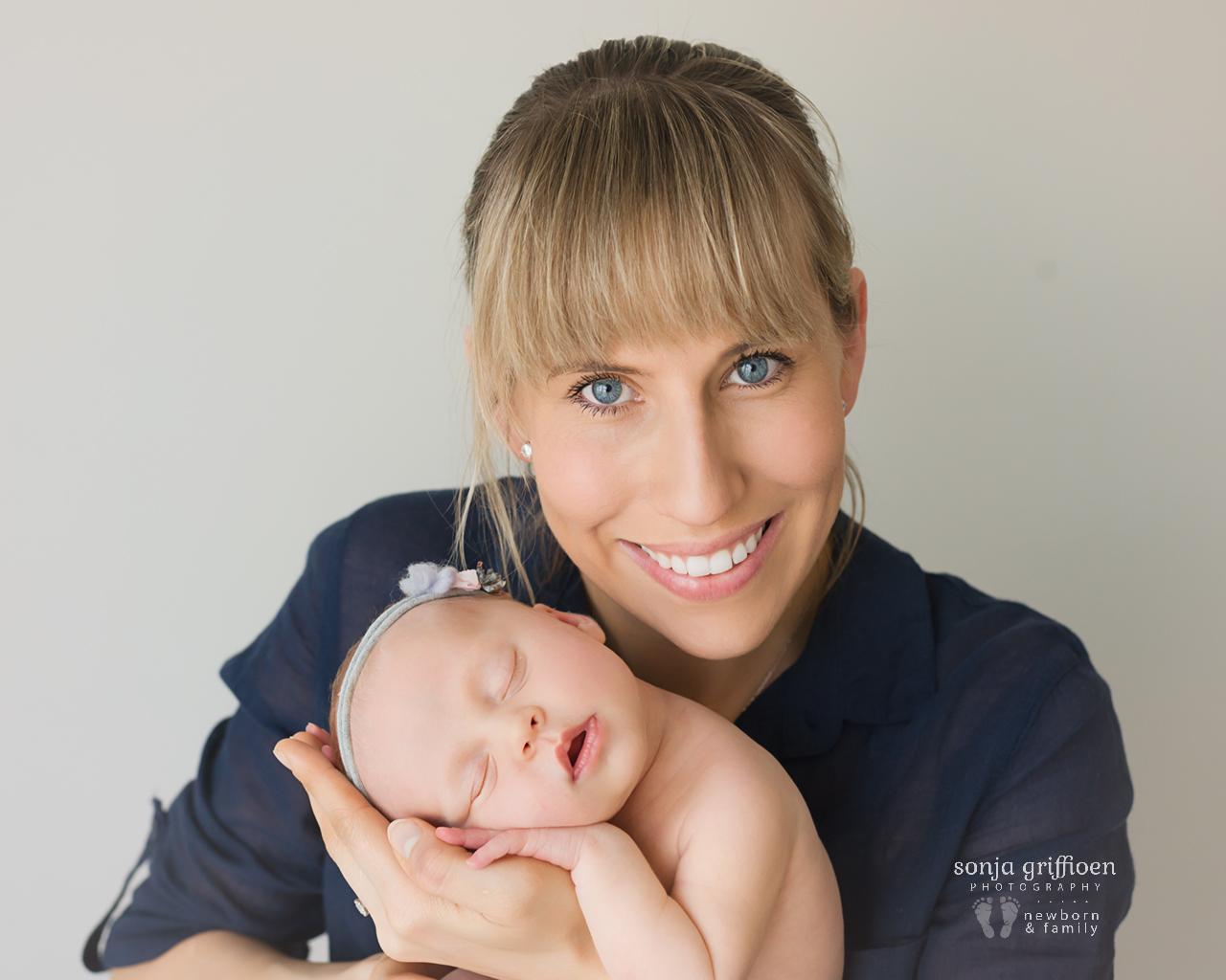 Sienna-Newborn-Brisbane-Newborn-Photographer-Sonja-Griffioen-24.jpg