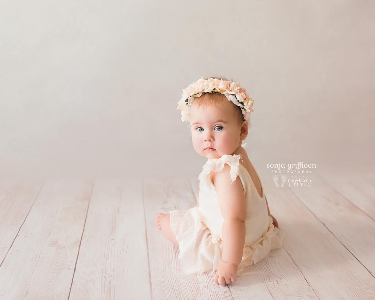 Thalia-Milestone-Brisbane-Newborn-Photographer-Sonja-Griffioen-03.jpg