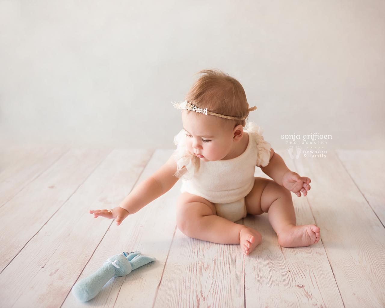 Thalia-Milestone-Brisbane-Newborn-Photographer-Sonja-Griffioen-05.jpg