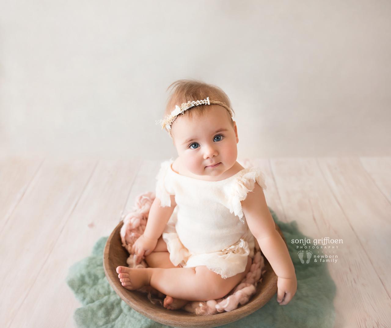 Thalia-Milestone-Brisbane-Newborn-Photographer-Sonja-Griffioen-09.jpg