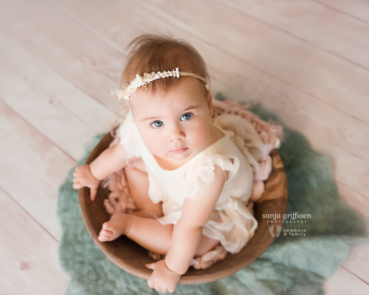 Thalia-Milestone-Brisbane-Newborn-Photographer-Sonja-Griffioen-10.jpg