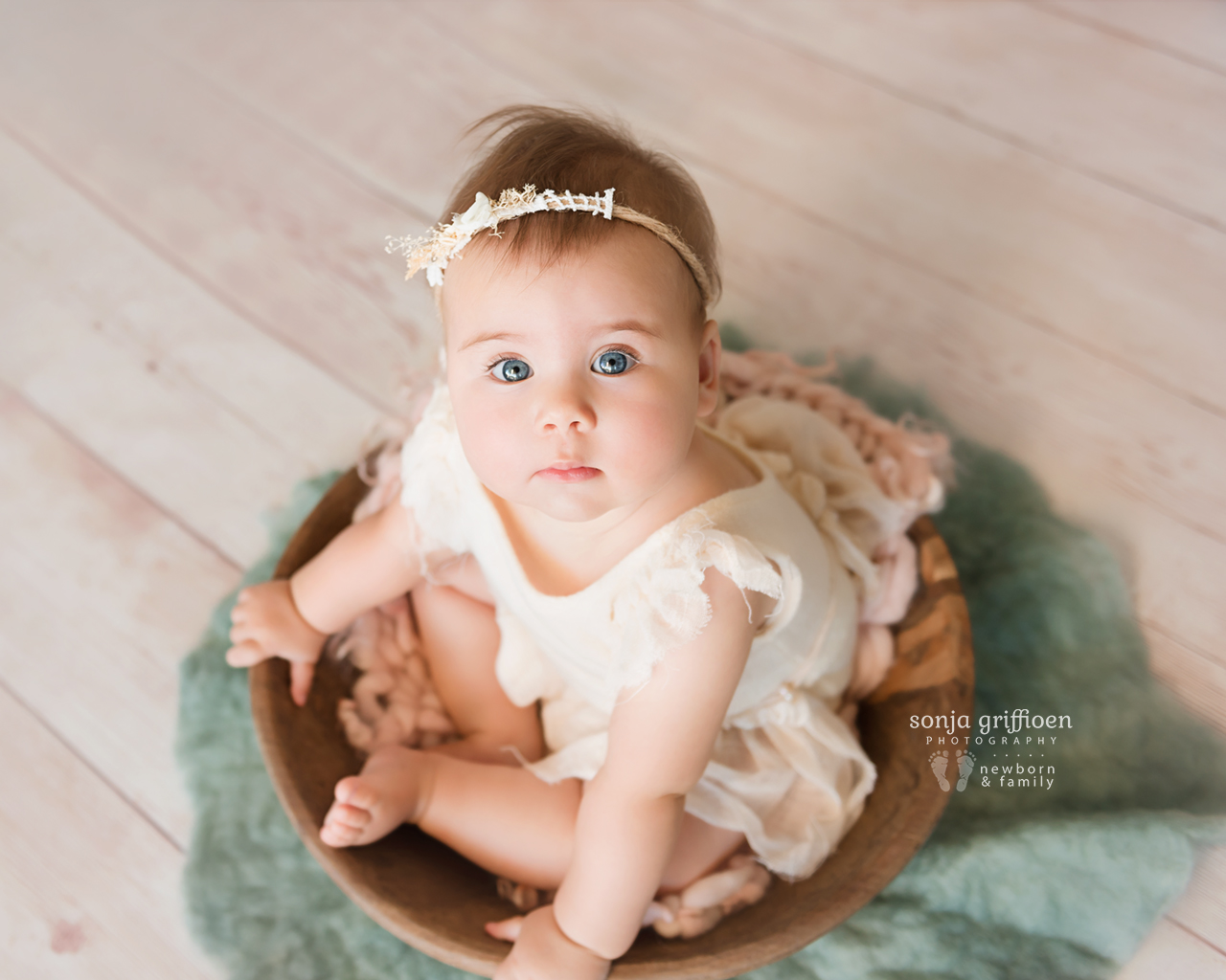 Thalia-Milestone-Brisbane-Newborn-Photographer-Sonja-Griffioen-11.jpg