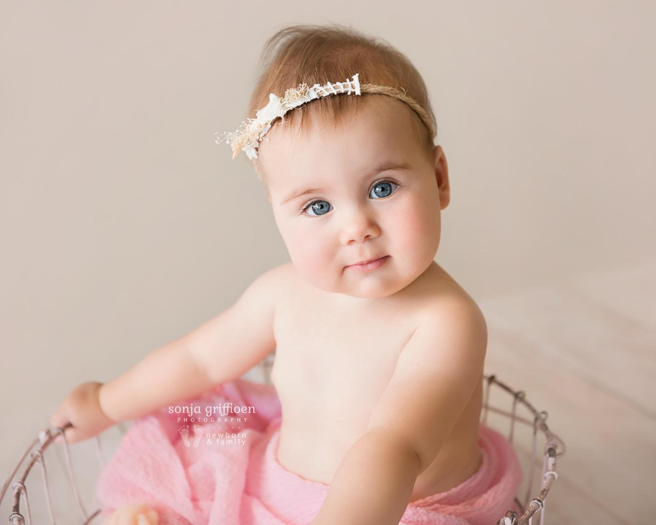 Thalia-Milestone-Brisbane-Newborn-Photographer-Sonja-Griffioen-12.jpg