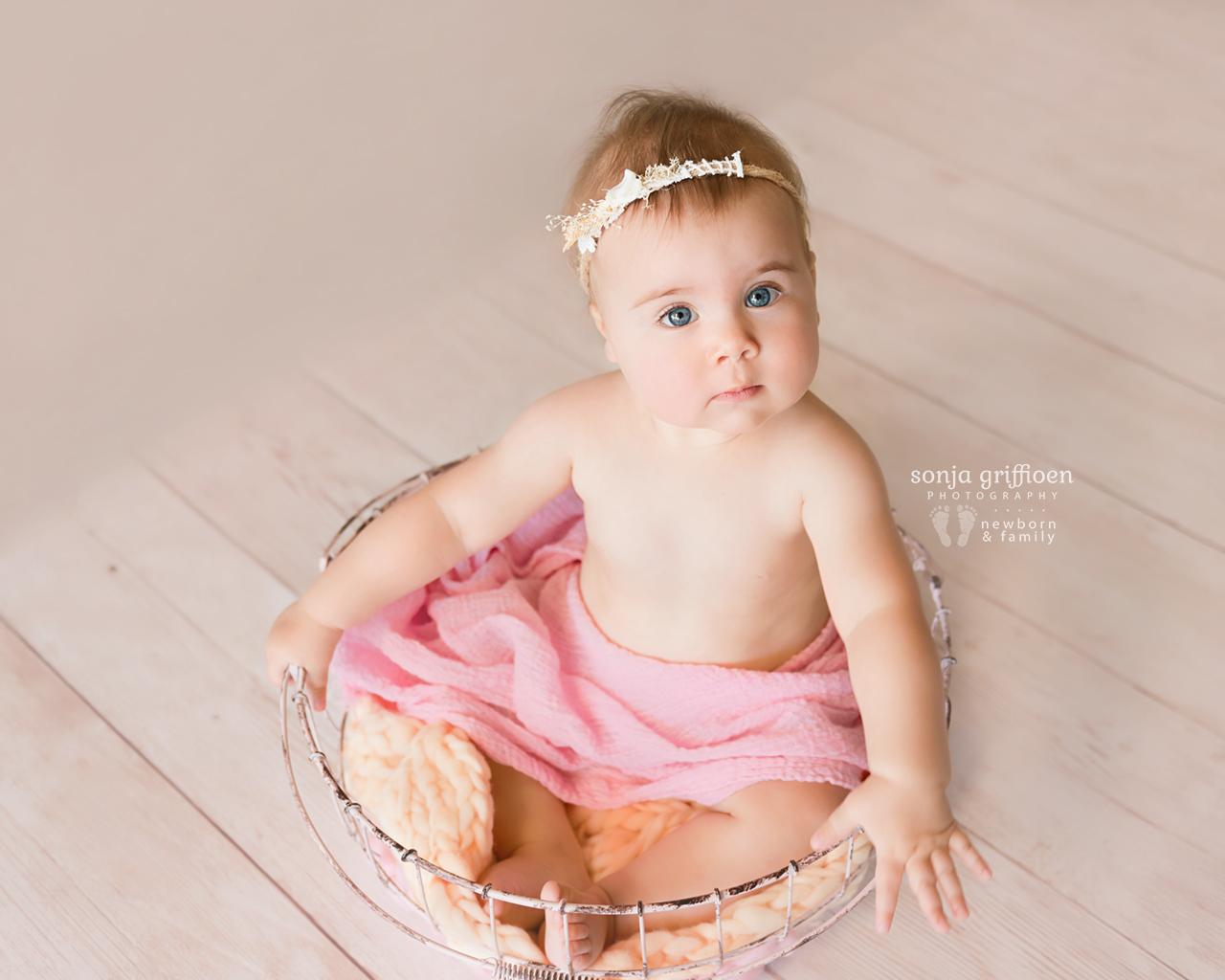 Thalia-Milestone-Brisbane-Newborn-Photographer-Sonja-Griffioen-14.jpg