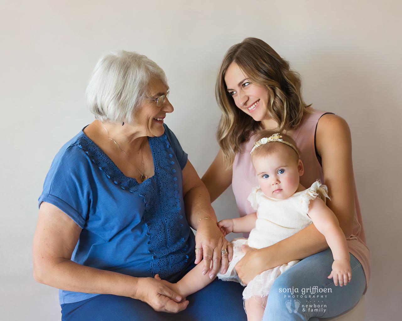 Thalia-Milestone-Brisbane-Newborn-Photographer-Sonja-Griffioen-17.jpg