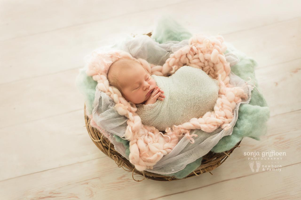 Thalia-Newborn-Brisbane-Newborn-Photographer-Sonja-Griffioen-01.jpg