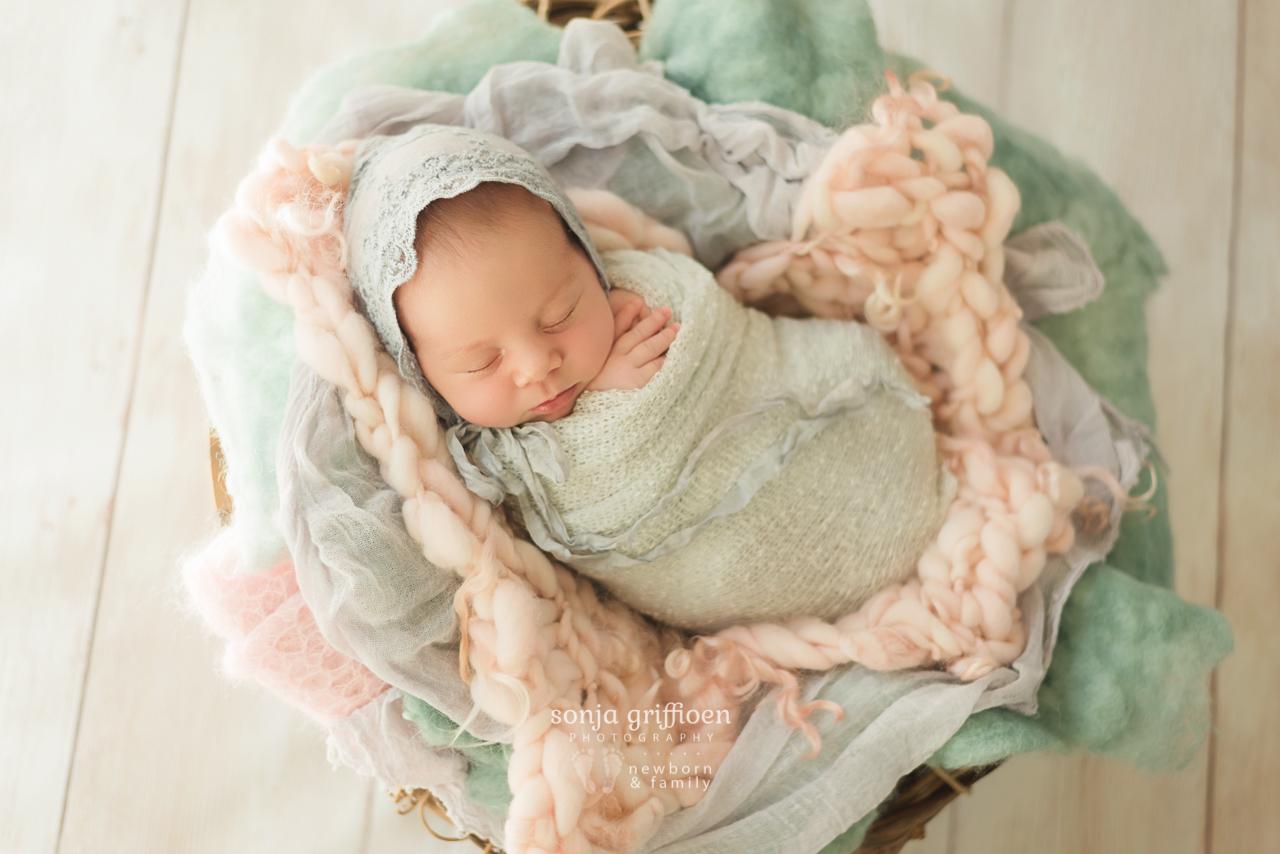 Thalia-Newborn-Brisbane-Newborn-Photographer-Sonja-Griffioen-04.jpg