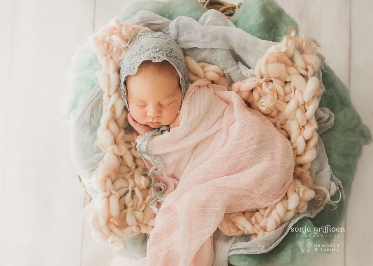 Thalia-Newborn-Brisbane-Newborn-Photographer-Sonja-Griffioen-08.jpg