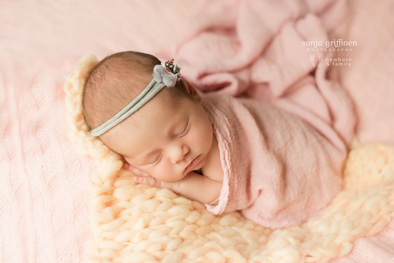 Thalia-Newborn-Brisbane-Newborn-Photographer-Sonja-Griffioen-13.jpg