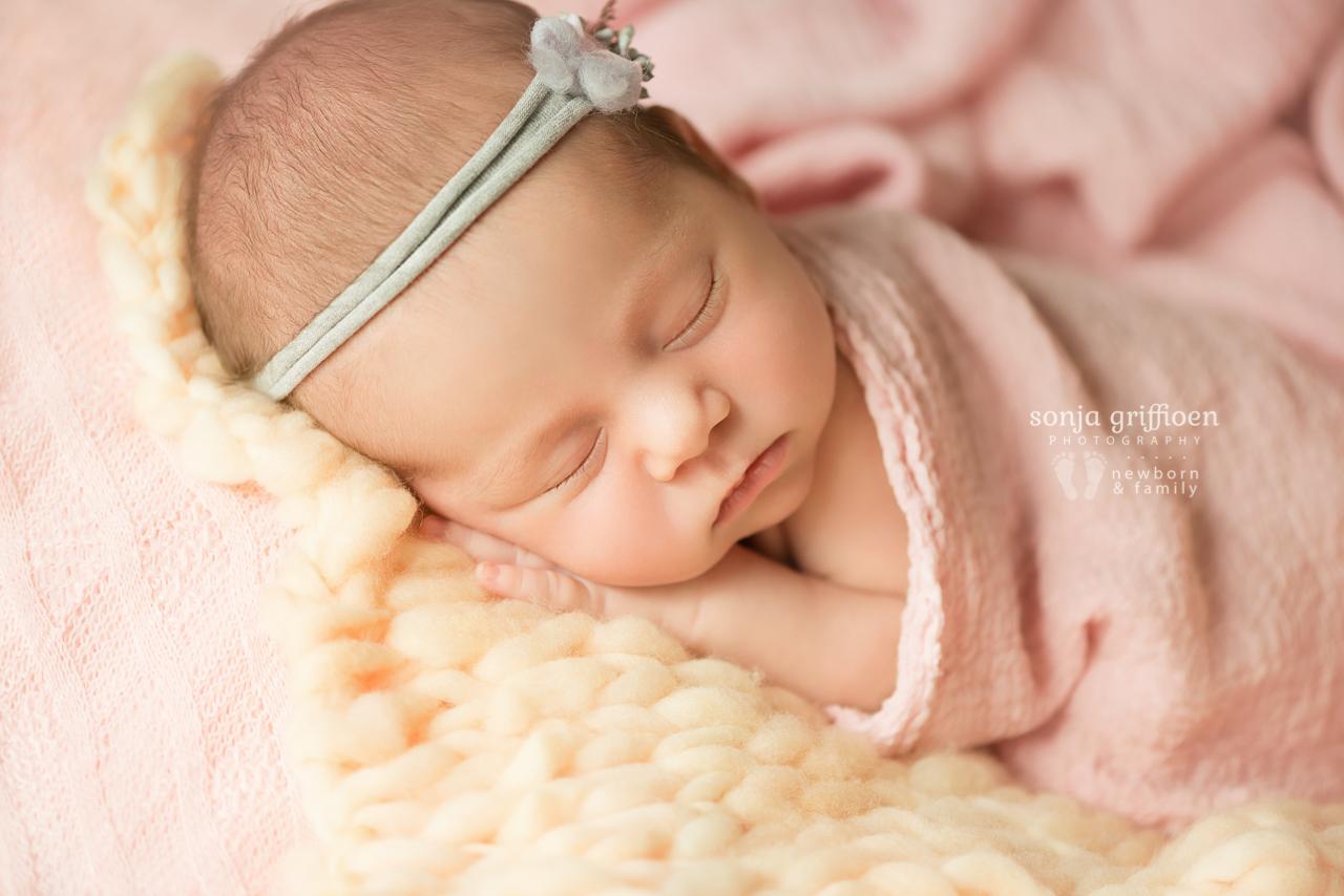 Thalia-Newborn-Brisbane-Newborn-Photographer-Sonja-Griffioen-14.jpg