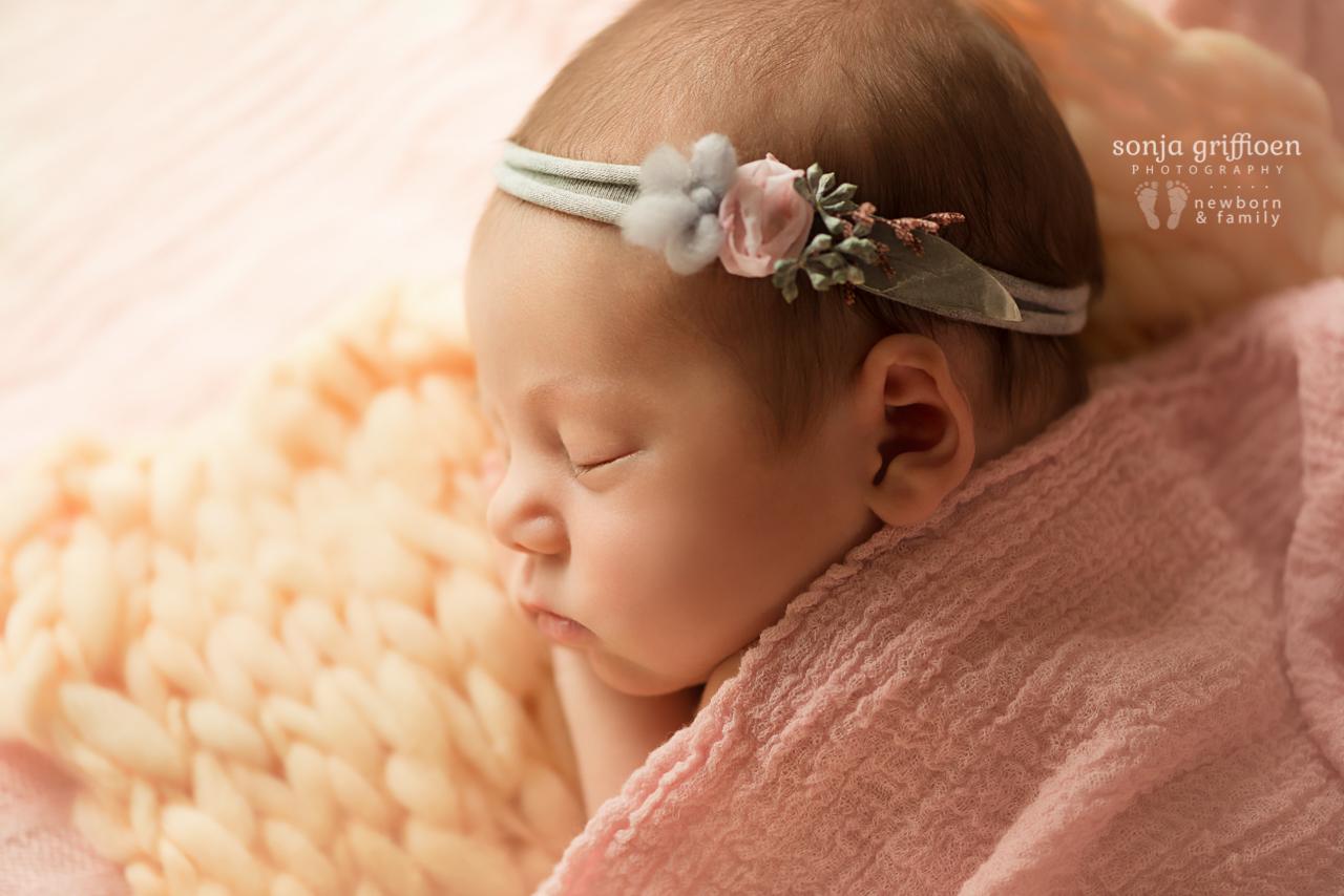 Thalia-Newborn-Brisbane-Newborn-Photographer-Sonja-Griffioen-16.jpg