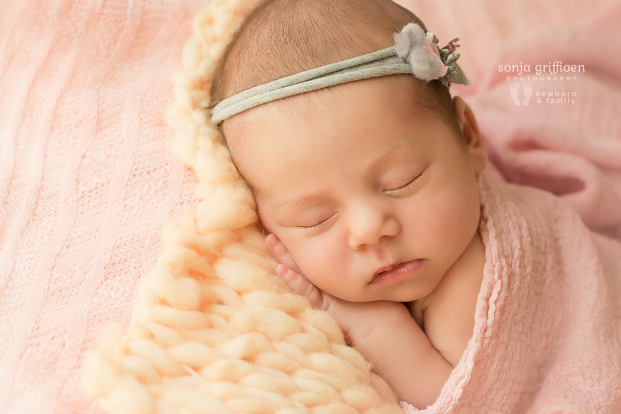 Thalia-Newborn-Brisbane-Newborn-Photographer-Sonja-Griffioen-20.jpg