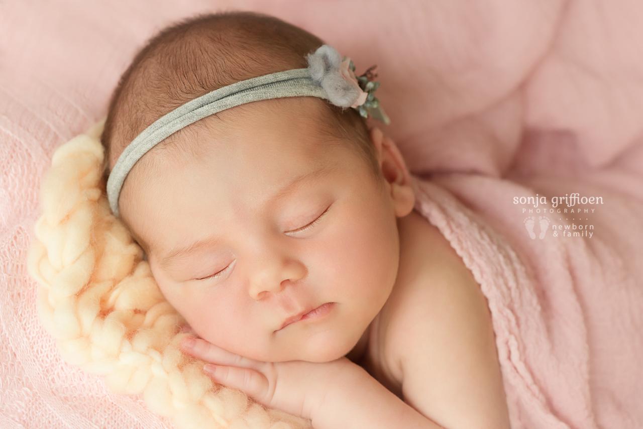 Thalia-Newborn-Brisbane-Newborn-Photographer-Sonja-Griffioen-22.jpg