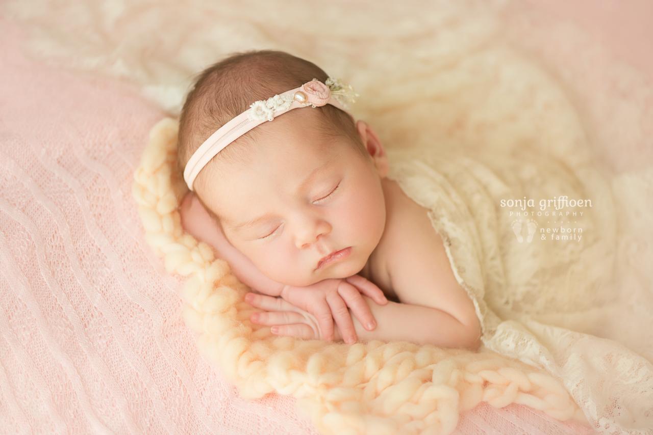 Thalia-Newborn-Brisbane-Newborn-Photographer-Sonja-Griffioen-26.jpg