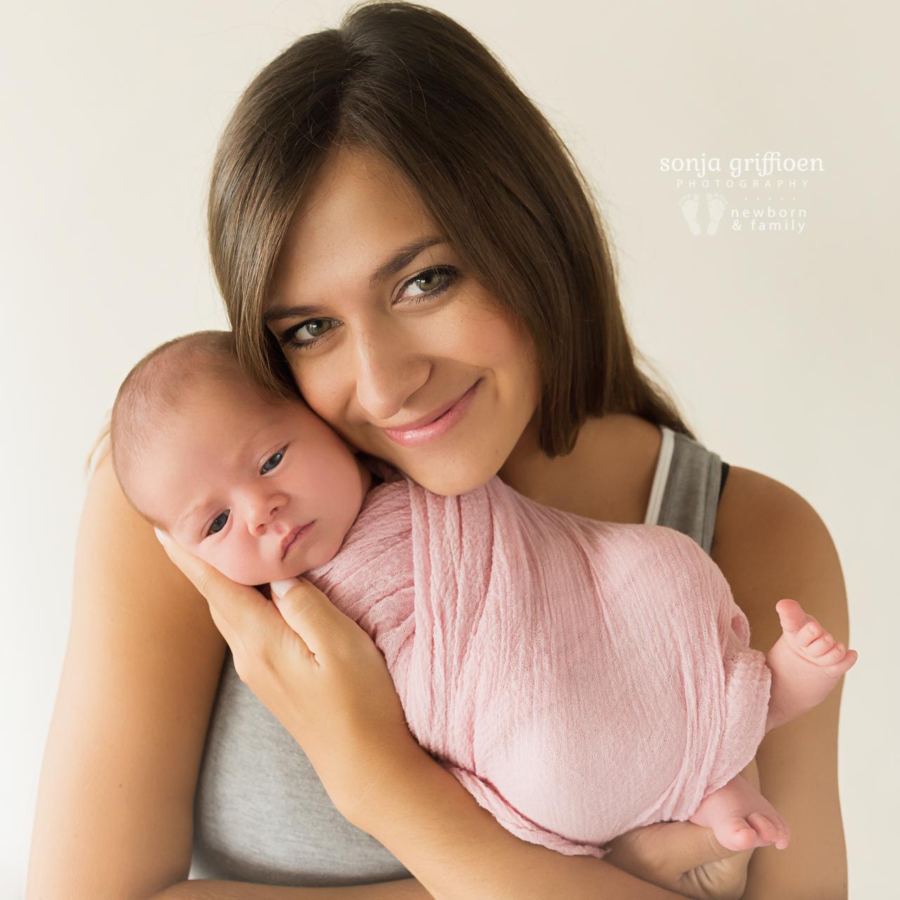 Thalia-Newborn-Brisbane-Newborn-Photographer-Sonja-Griffioen-30.jpg