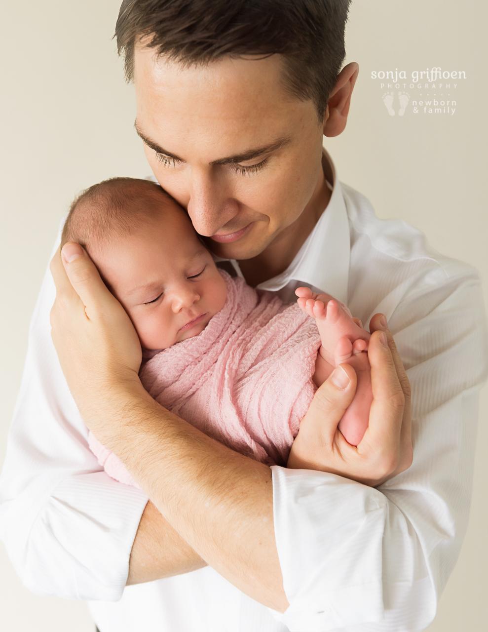 Thalia-Newborn-Brisbane-Newborn-Photographer-Sonja-Griffioen-38.jpg