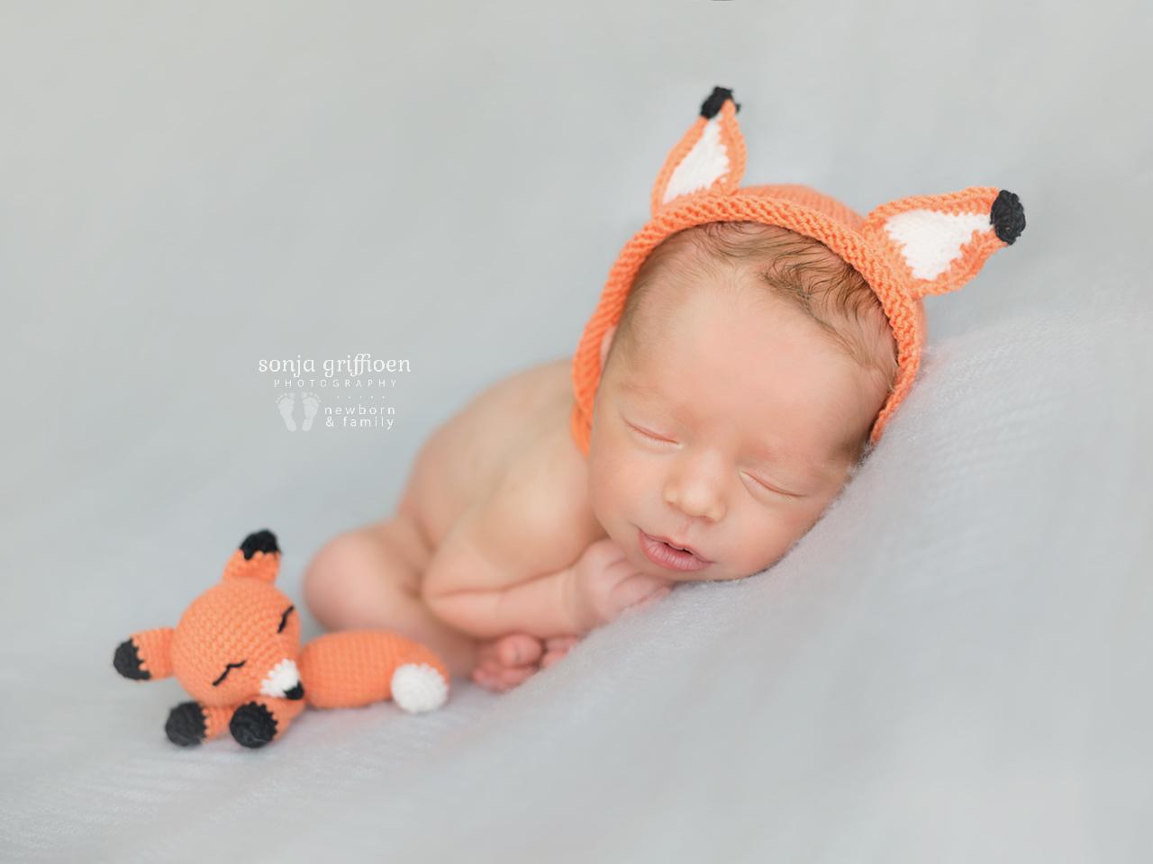 Theo-Newborn-Brisbane-Newborn-Photographer-Sonja-Griffioen-21.jpg