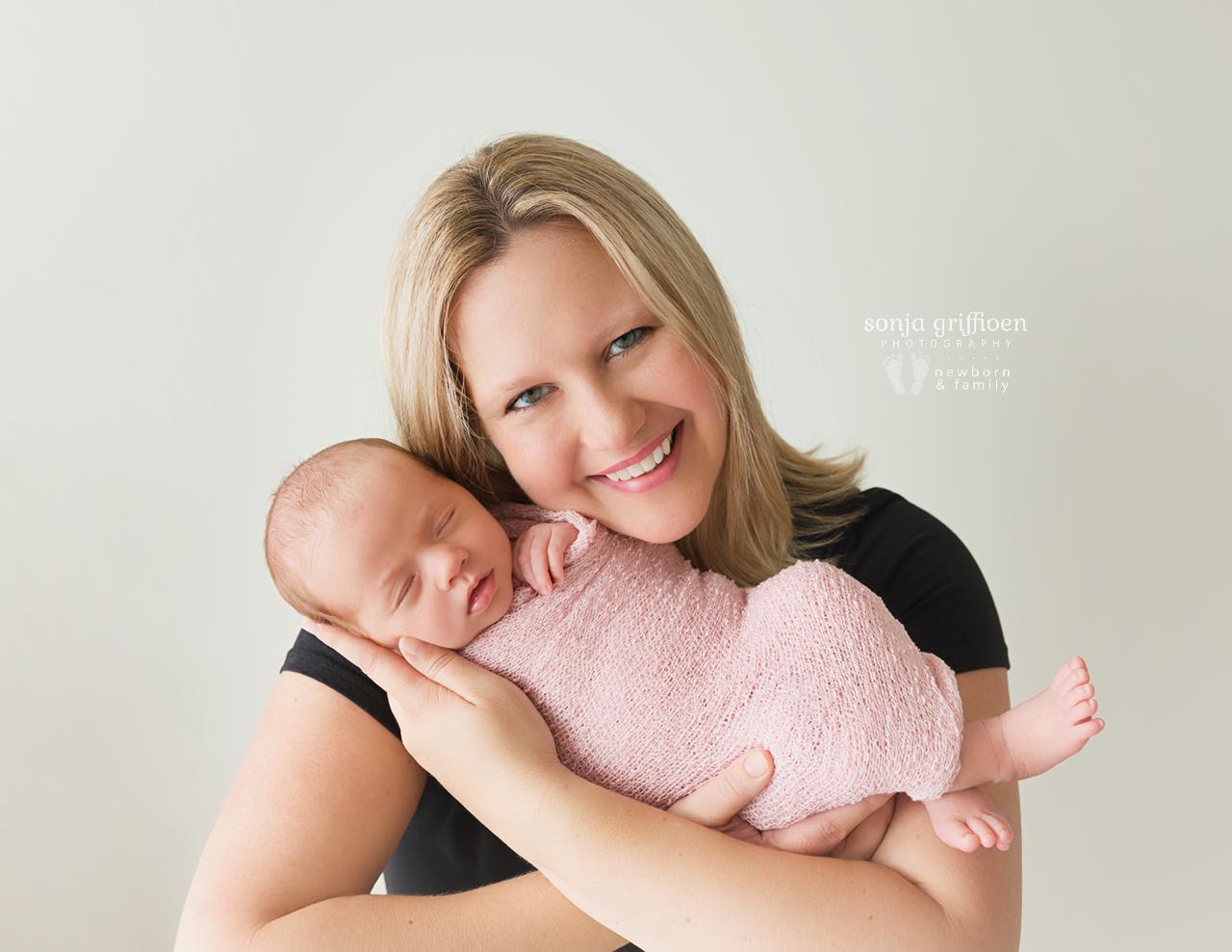 Veronica-Newborn-Brisbane-Newborn-Photographer-Sonja-Griffioen-02.jpg