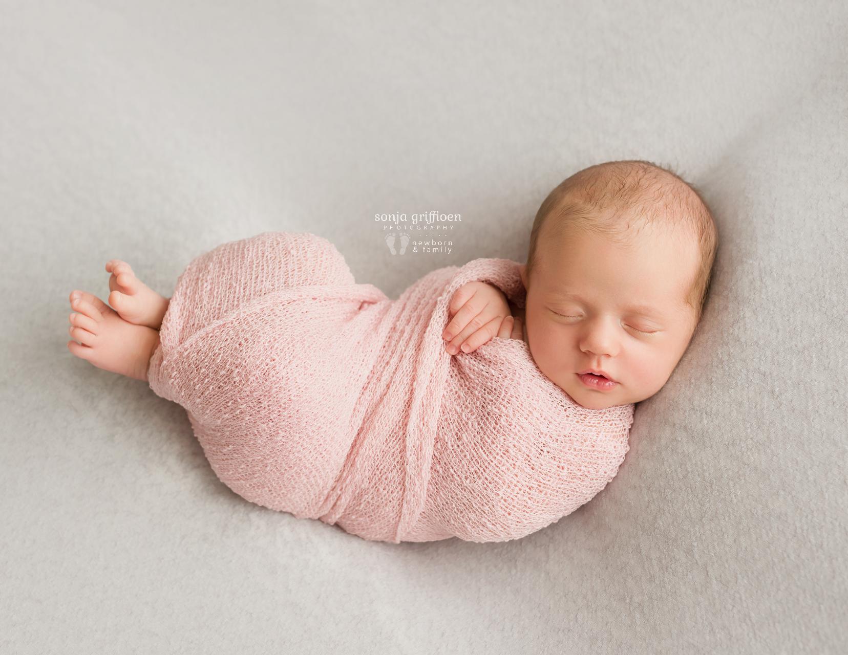 Veronica-Newborn-Brisbane-Newborn-Photographer-Sonja-Griffioen-09.jpg