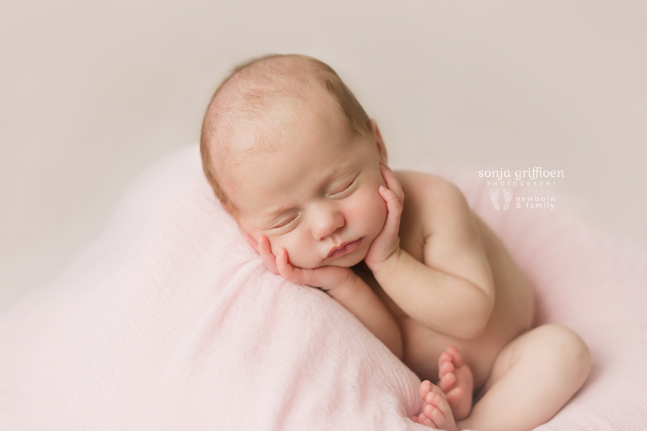 Veronica-Newborn-Brisbane-Newborn-Photographer-Sonja-Griffioen-19.jpg