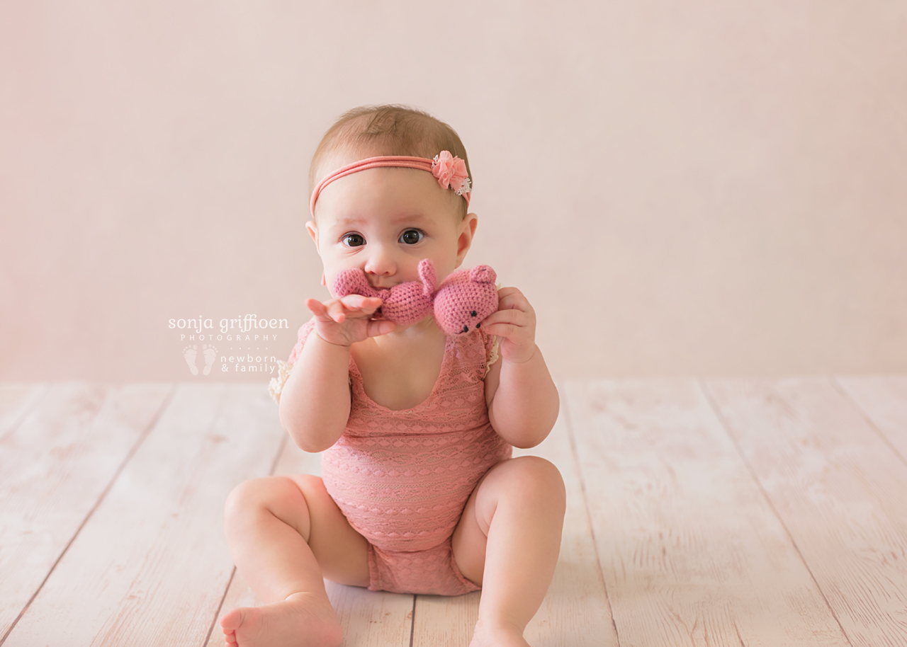 Violet-Milestone-Brisbane-Newborn-Baby-Photographer-Sonja-Griffioen-03.jpg