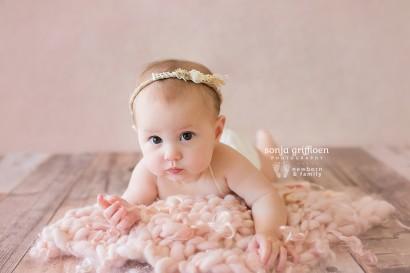 Baby photography, Brisbane baby photos, sitter session, milestone photography, milestone session, baby milestones, Brisbane baby photography