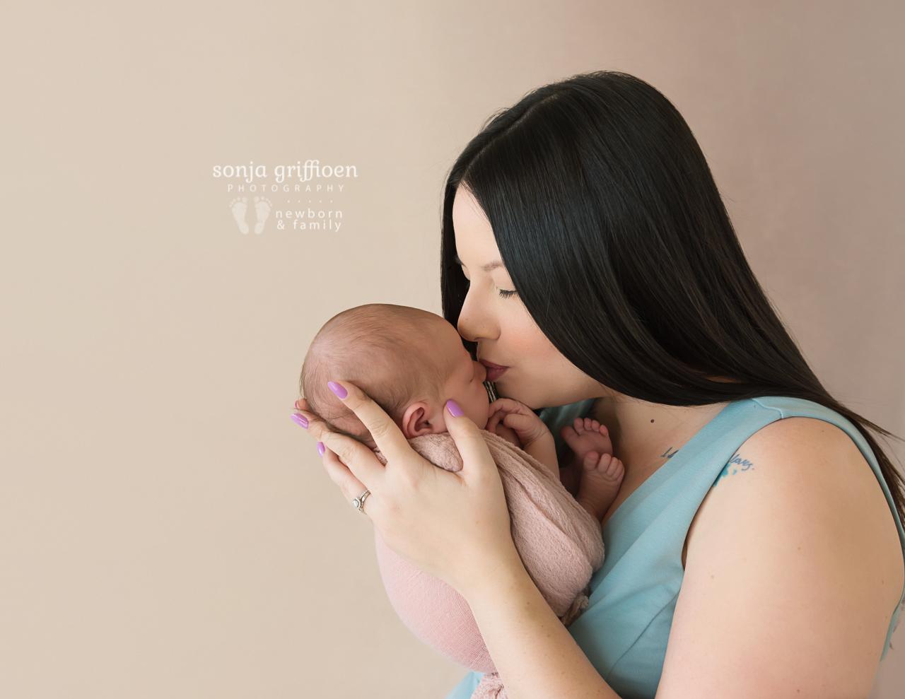 Violet-Newborn-Brisbane-Newborn-Photographer-Sonja-Griffioen-01.jpg