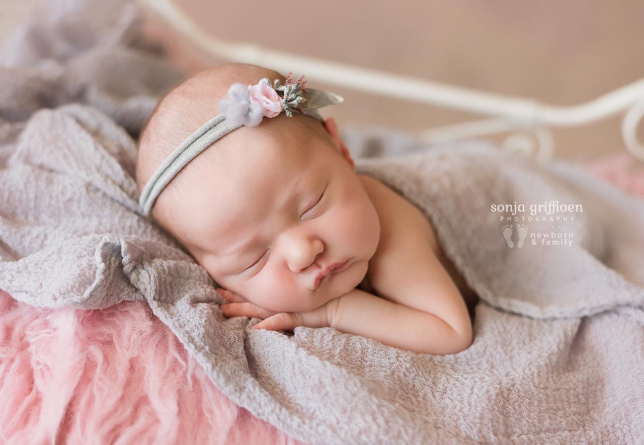 Violet-Newborn-Brisbane-Newborn-Photographer-Sonja-Griffioen-12.jpg
