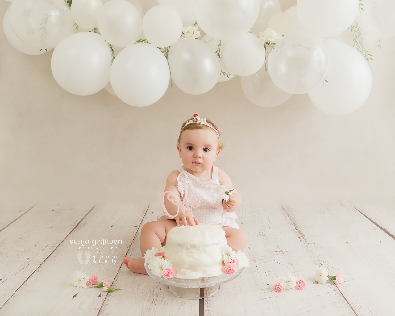 Vivienne-Cake-Smash-Brisbane-Baby-Photographer-Sonja-Griffioen-02.jpg