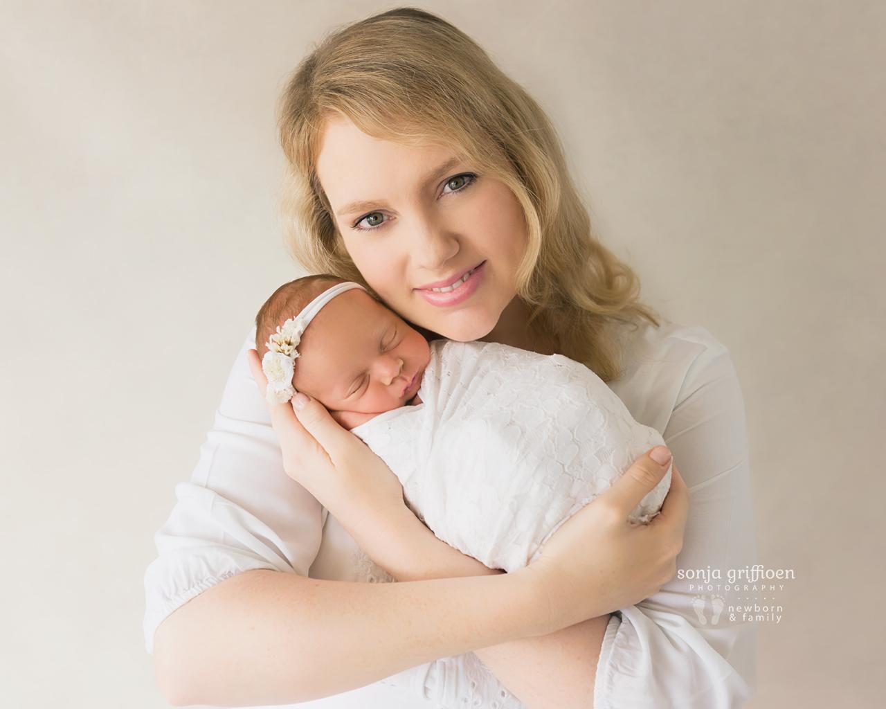 Vivienne-Newborn-Brisbane-Newborn-Photographer-Sonja-Griffioen-01.jpg