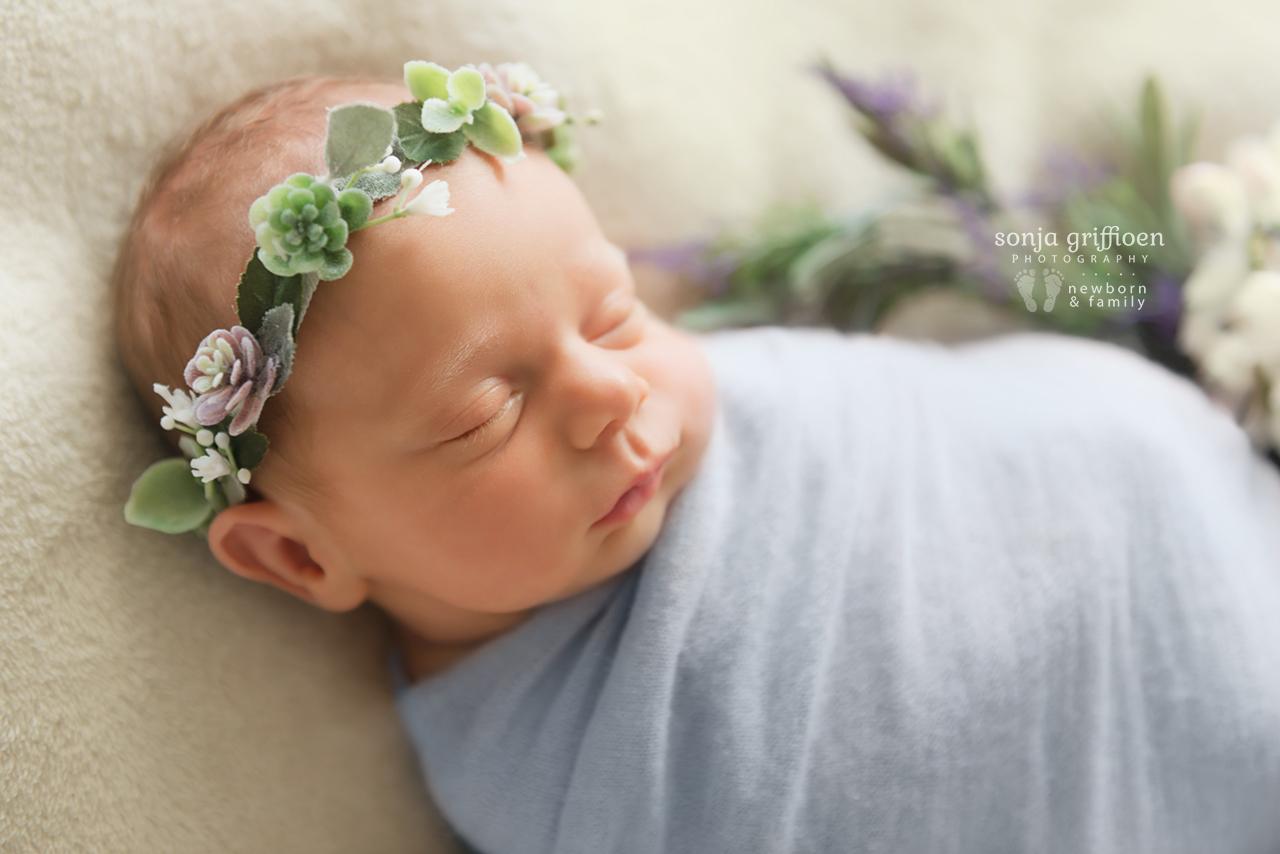 Vivienne-Newborn-Brisbane-Newborn-Photographer-Sonja-Griffioen-13.jpg