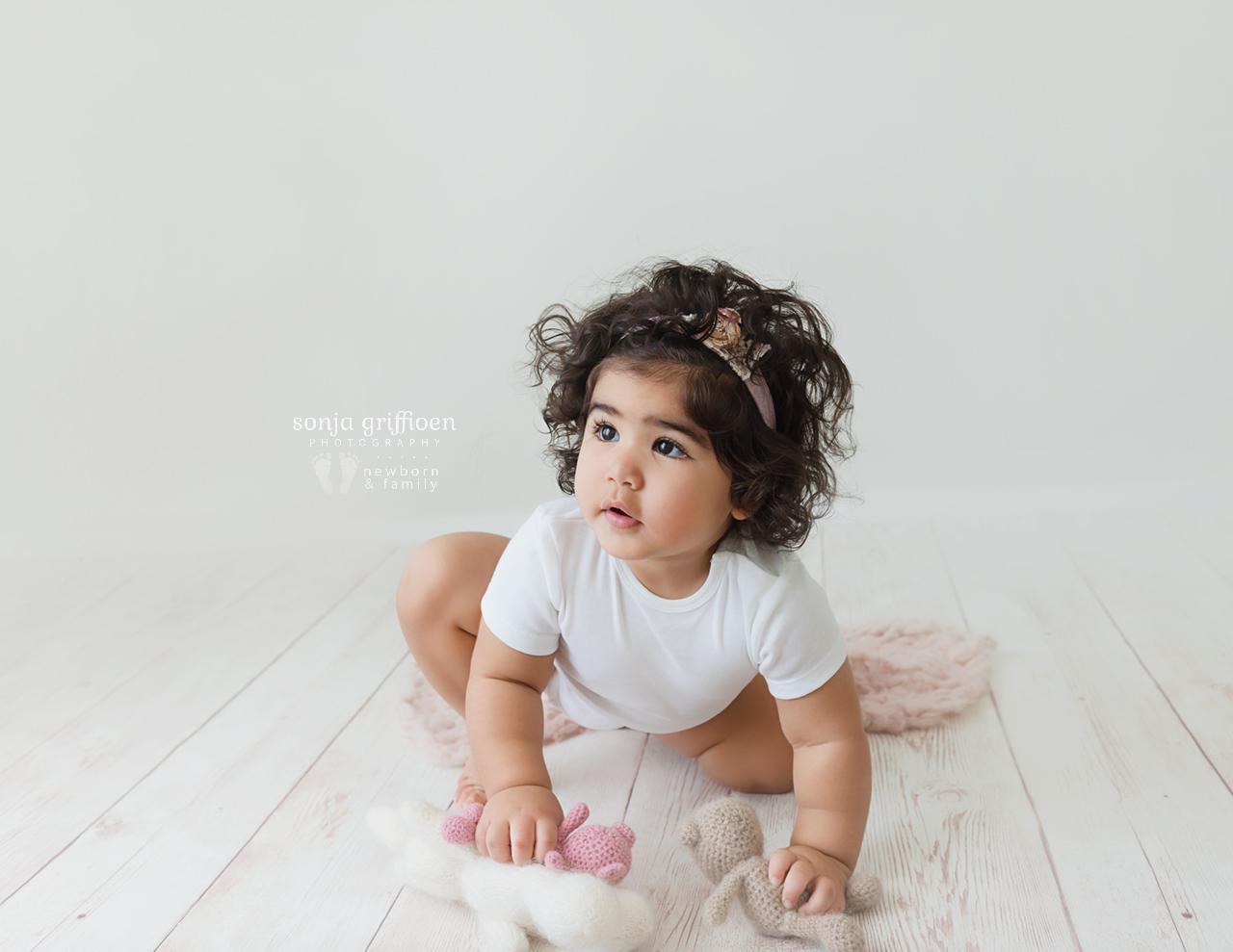 Yara-1-Brisbane-Baby-Photographer-Sonja-Griffioen-04.jpg