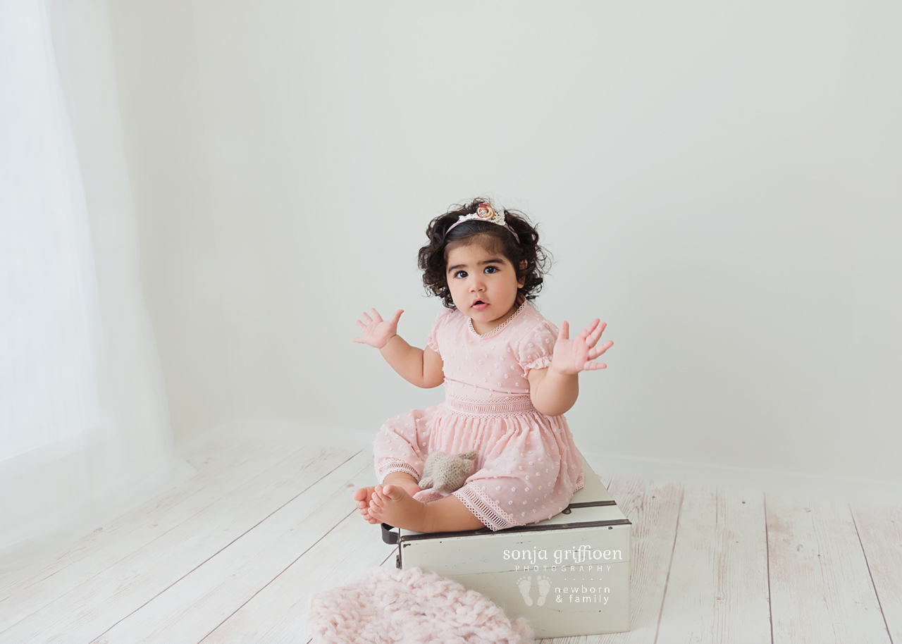 Yara-1-Brisbane-Baby-Photographer-Sonja-Griffioen-06.jpg