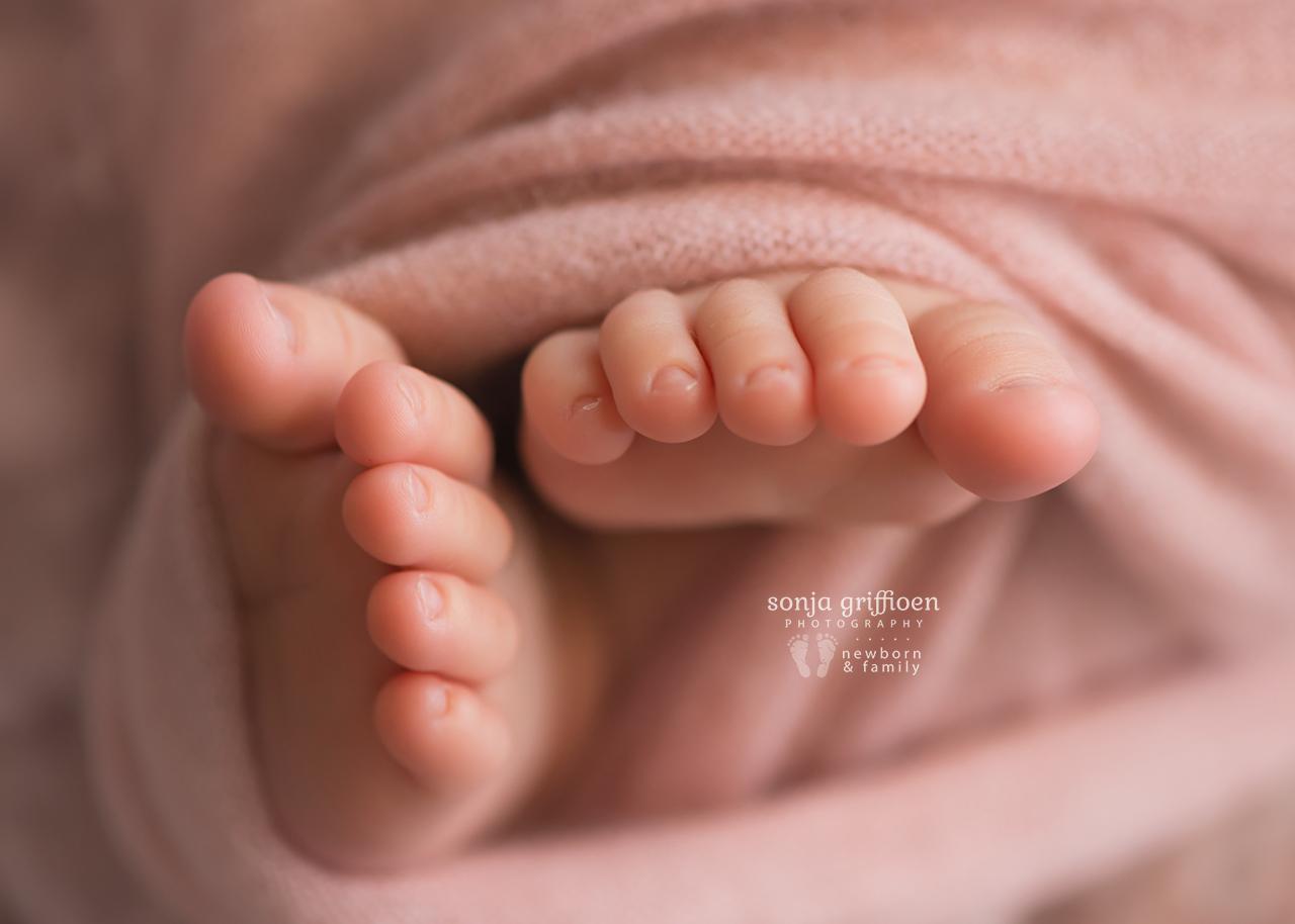 Yara-Newborn-Brisbane-Newborn-Photographer-Sonja-Griffioen-01.jpg