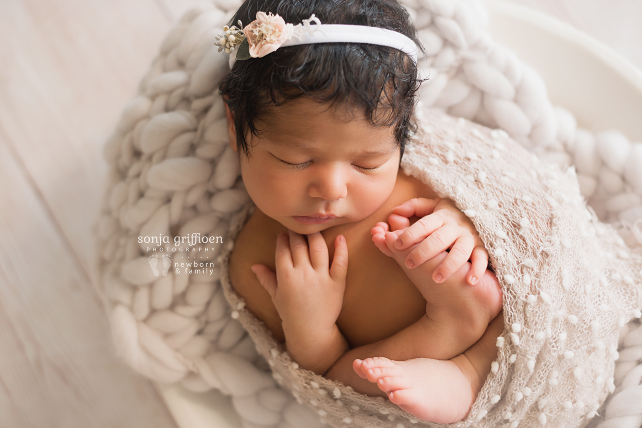 Yara-Newborn-Brisbane-Newborn-Photographer-Sonja-Griffioen-05.jpg