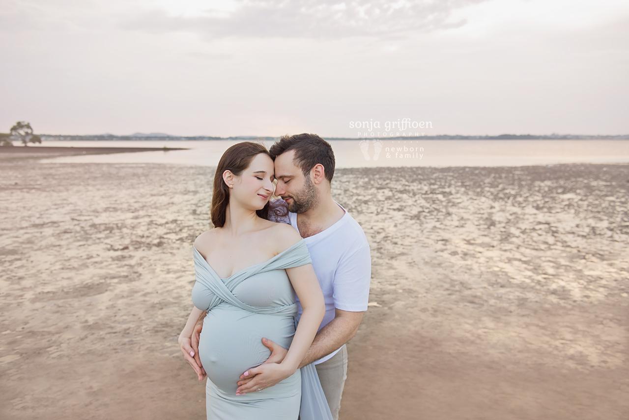 Yekaterina-Maternity-Brisbane-Newborn-Photographer-Sonja-Griffioen-03.jpg