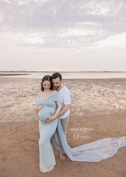 Sonja Griffioen - Newborn Photography, Brisbane newborn and family photographer, maternity session, Bayside maternity session, Brisbane families, Brisbane couples, expecting a new baby