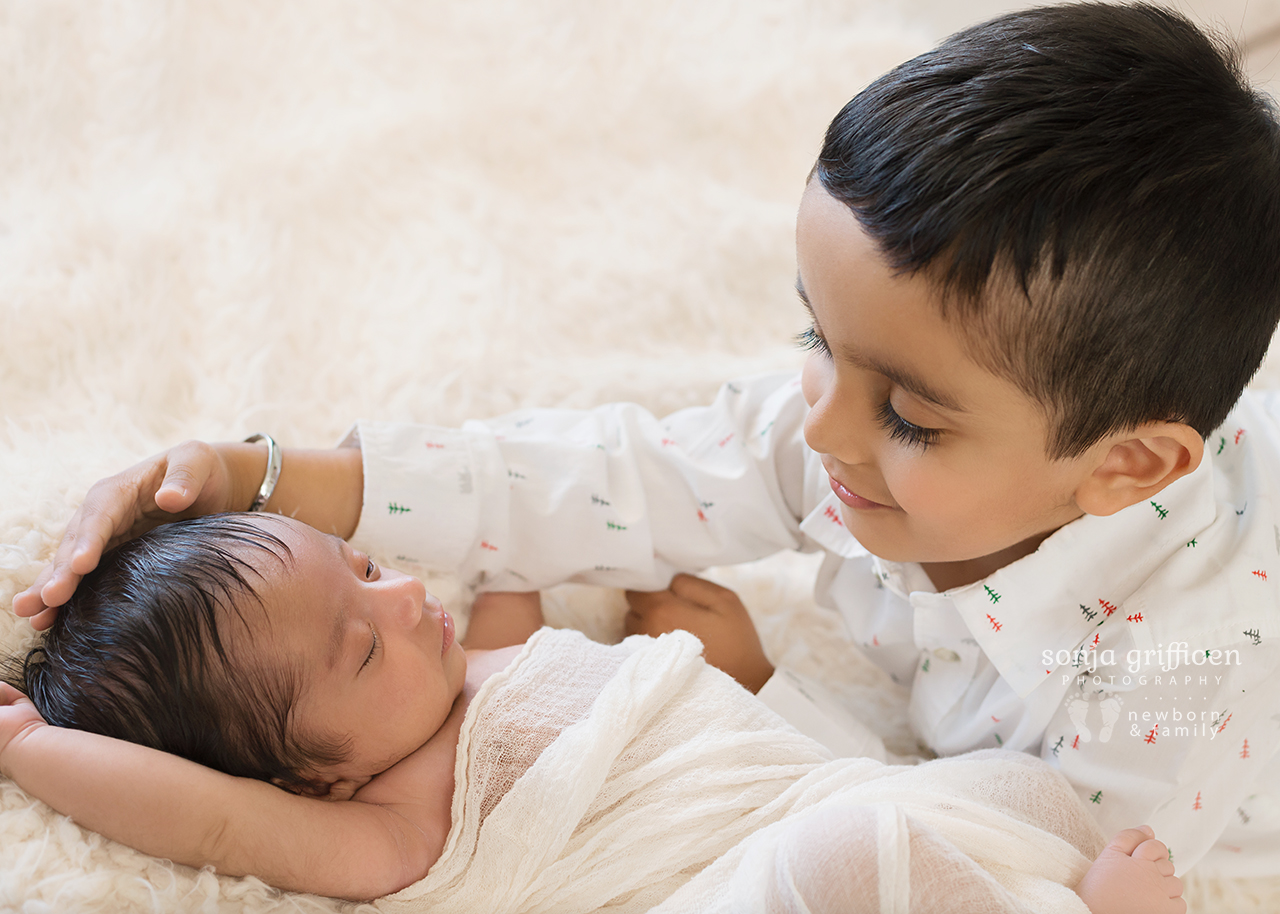 Yuvraj-Newborn-Brisbane-Newborn-Photographer-Sonja-Griffioen-06.jpg