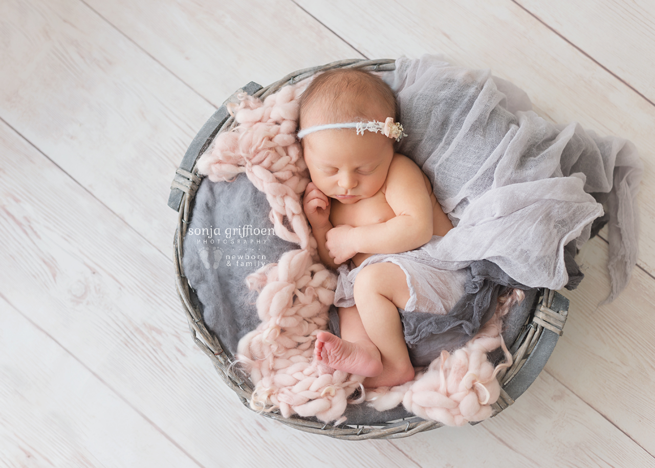 Zoe-Newborn-Brisbane-Newborn-Photographer-Sonja-Griffioen-10.jpg