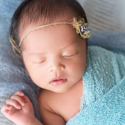 Brisbane Newborn Photography, Baby photographer Brisbane, Vietnamese newborn girl